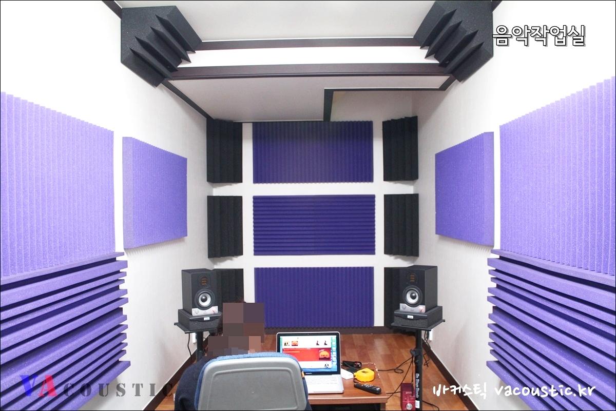 workroom_02.JPG