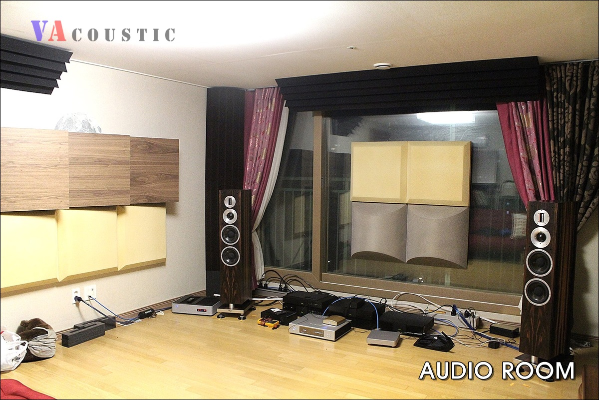 AUDIO_ROOM_BC04 1200px.jpg
