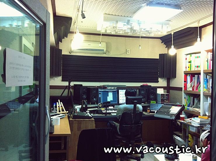 lladda studio.JPG